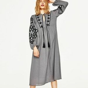 Zara Woman Large Gray Midi Dress   Embroidery